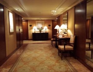 Conrad HK Lift Lobby