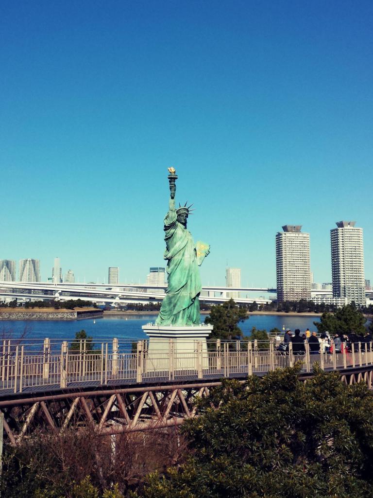 Replica Statue of Liberty in Odaiba