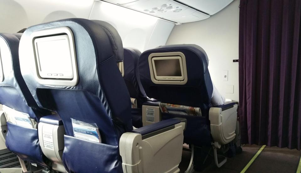 Personal AVOD on Malaysia Airlines 737-800 Business Class