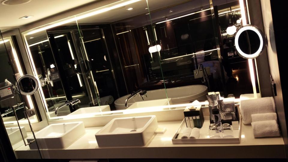 Luxe bathroom in Suite 80 at The Mira Hong Kong